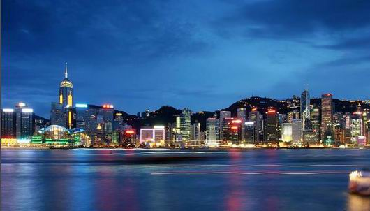 Hong Kong's Victoria Harbour night view. 香港維多利亞港夜景